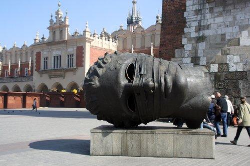 אנדרטאות יוצאות דופן של פולין