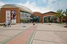 מרכז קניות Magnolia Park בורוצלב
