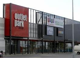 מרכז קניות עודפים Outlet Park Szczecin