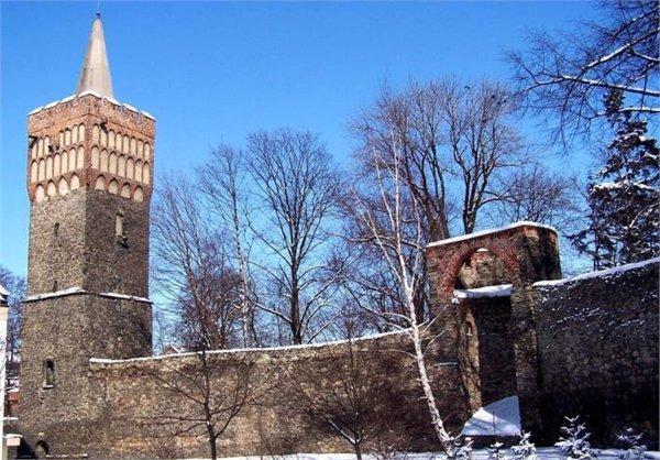 חומות עיר Paczkow ומרכז העיר