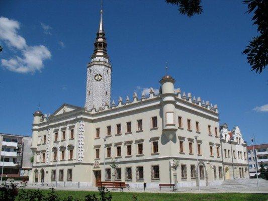 בניין עירייה ב Opole - Oploskie