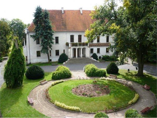מוזאון-טירה Zamek Górków w Szamotułach - Wielkopolskie