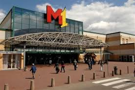 מרכז קניות M1 בפוזנן