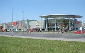 מרכז קניות Fort Wola בורשה